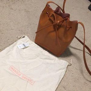 Mansur Gavriel Mini Tan Bucket Bag ✨ $325 on 🅿️